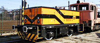 Driving rail vehicle line 211